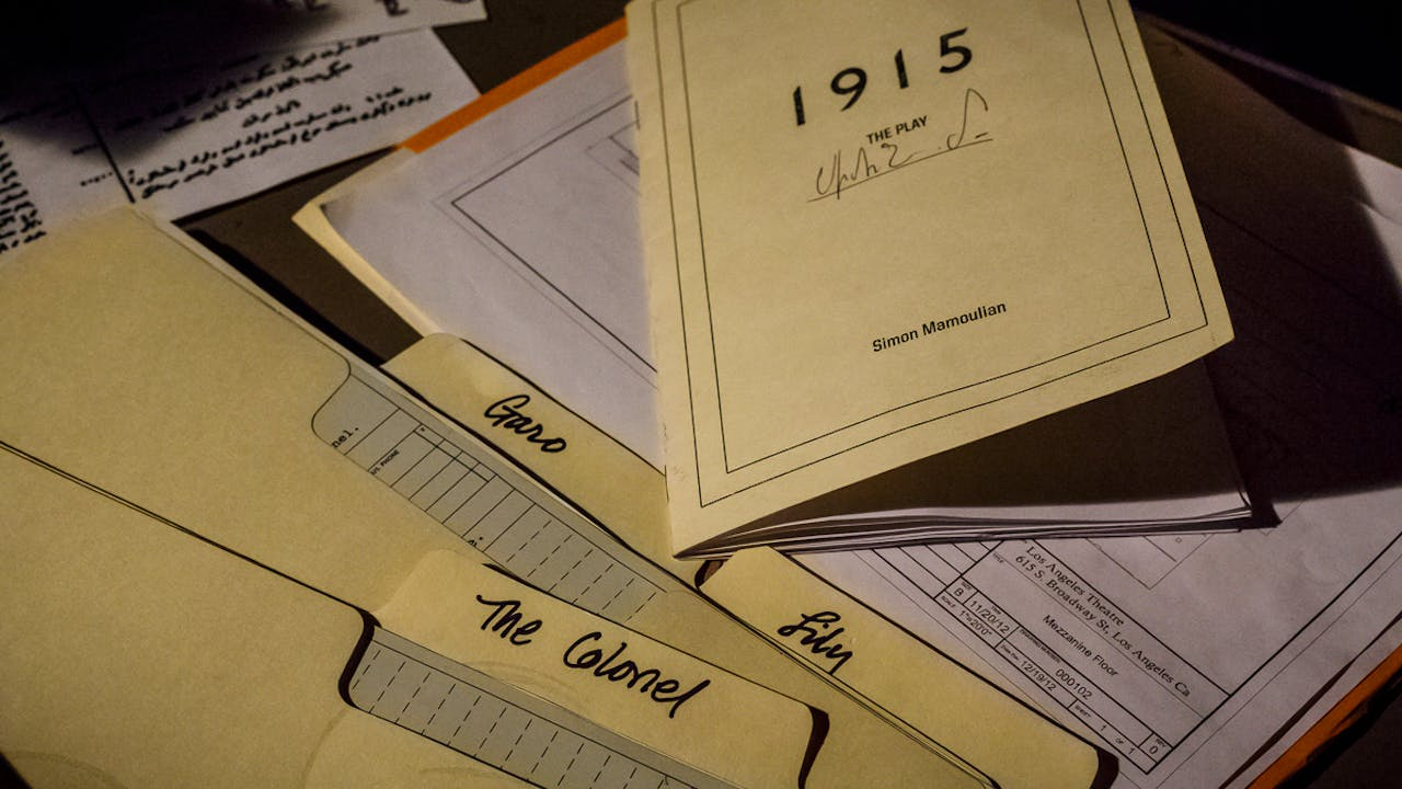 1915 Behind The Scenes Extras (18 items)