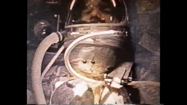 """Astronaut Carpenter stunned by UFO """"FIREFLIES"""""""