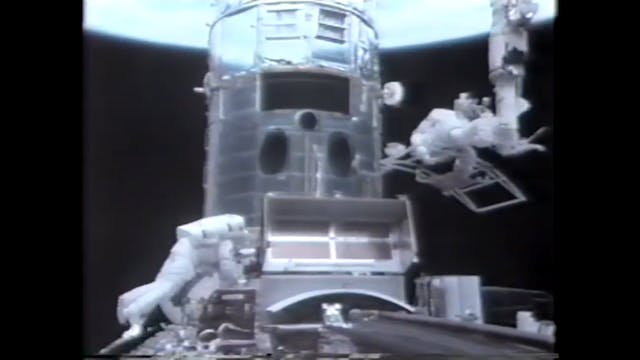 NASA UFO watches the Hubble get fixed!