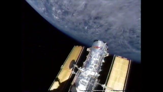 NASA UFO  STS-61 'shot' trumps Hubble...