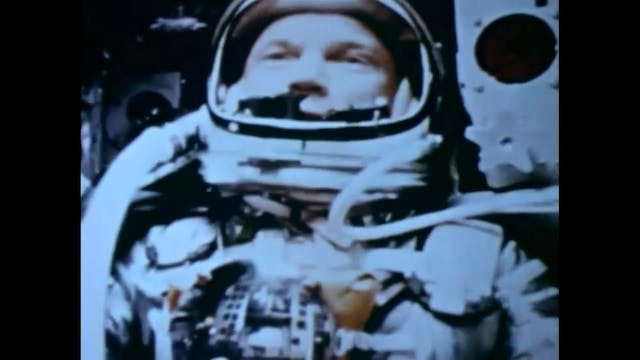 John Glenn Describes fireflies (UFO's...
