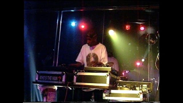 Roc Raida Rocks The Turntables At The...