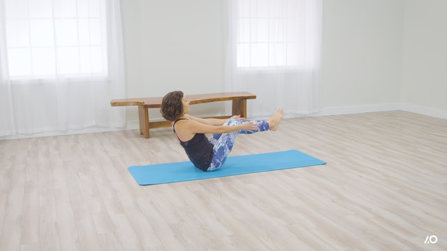Easy Yoga: Boat Pose for Beginners