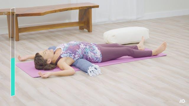 Easy Yoga: Yoga for Calm