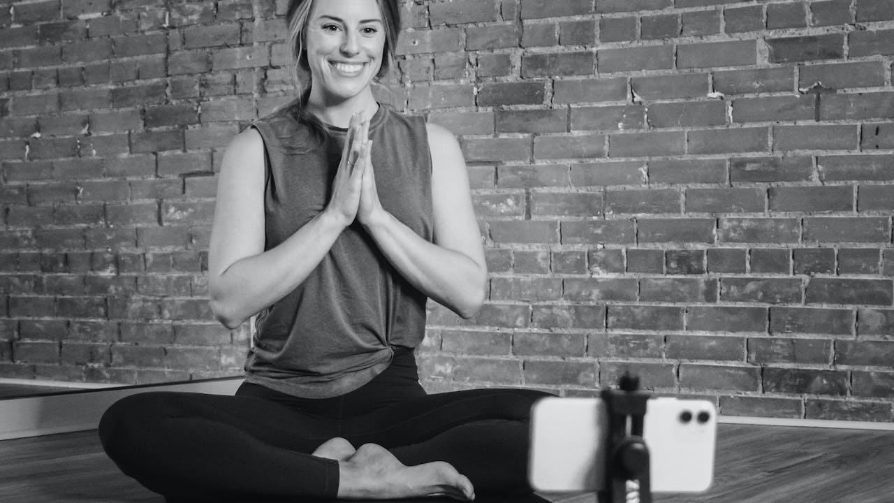Amana Yoga Winter Virtual 200-Hr Teacher Training