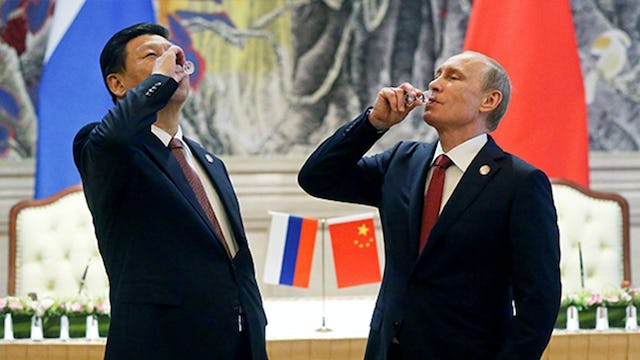 RUSSIA AND CHINA TO COLLAPSE DOLLAR IN GLOBAL MARKETS