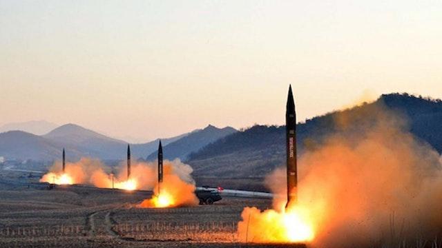 U.S DEFENSE SEC. READY TO STRIKE NORT...