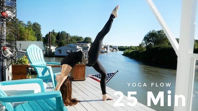 25 Minute Yoga Flow - Quick & Efficient | Yoga with Christa