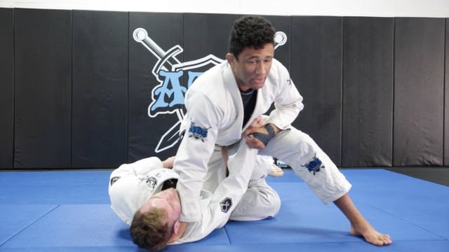 Knee Cut Pass with Face Crank