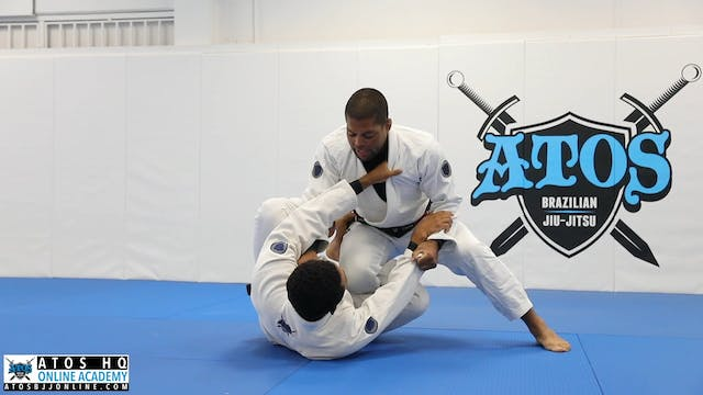 Side smash from powerful pressure knee cut