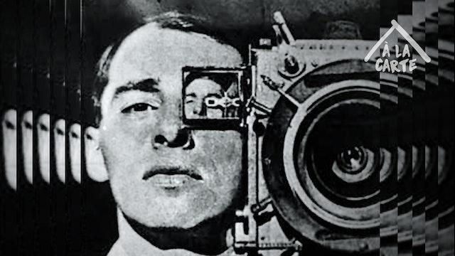 Um homem com uma câmera