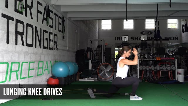 10_Lunging Knee Drives