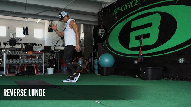 11 Reverse Lunge