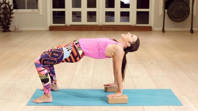 Yoga HIIT Conditioning 2 / Mia Jokiniva / Tekniikkatärppi 2 / 4,5 min.
