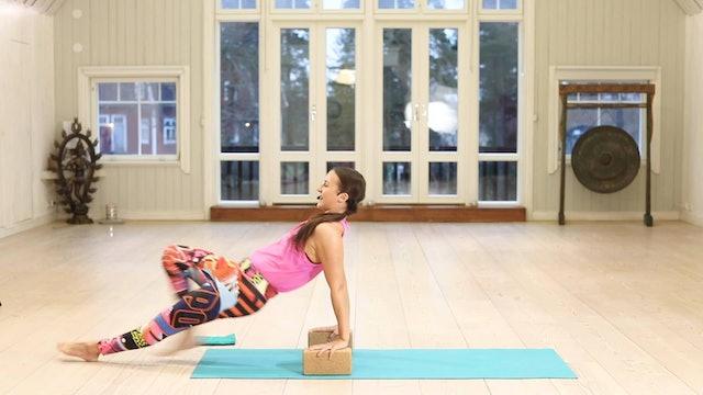 Yoga HIIT Conditioning 1 / Mia Jokiniva / Taso 2-3 / 32 min.