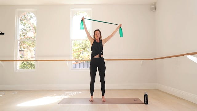 13 Mins - Upper Body - Theraband (Pre...