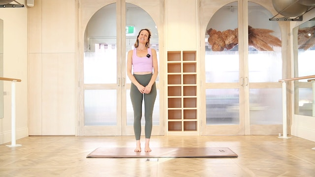 10 mins - Stretch - No Props (Strong Mama)