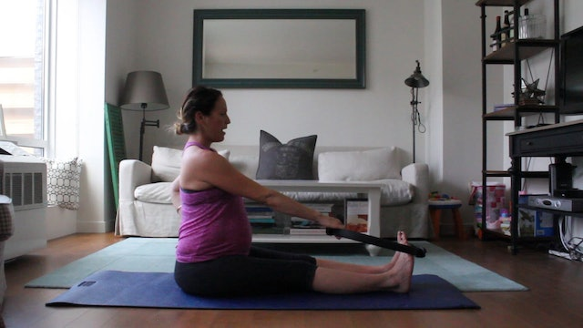 11 Mins - Stretch - Ring or Theraband (Prenatal)