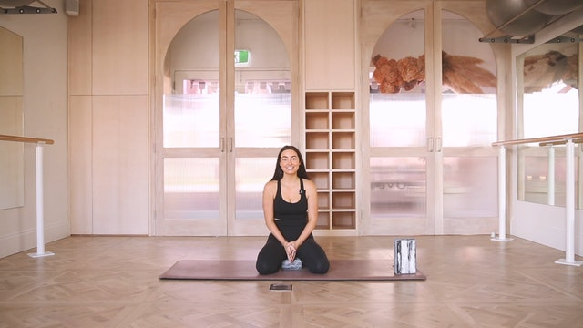 30 Mins - Yoga Flow - Yoga Bricks (Prenatal)