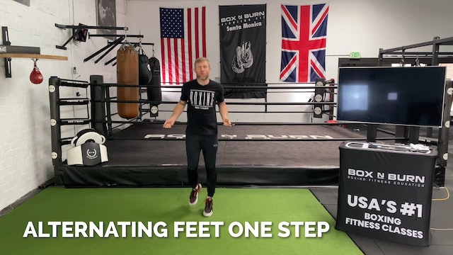 How To Jump Rope - Alternating Feet (One Step) | Tony