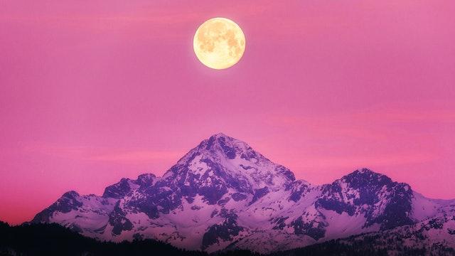 Moon Meditation (Chinese)