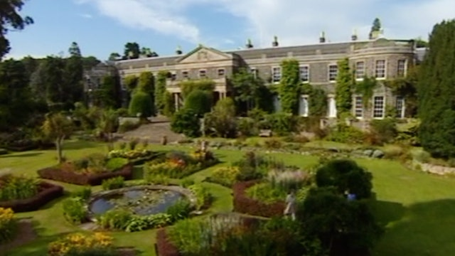 Gardens of The National Trust - Volume 2