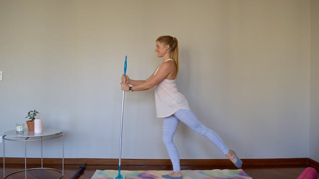 Express Barre with Broom
