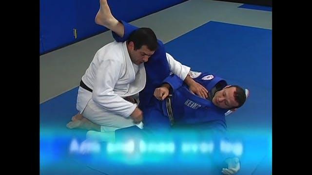 Brazilian Jiu Jitsu Passing the Guard by Marcus Vinicius