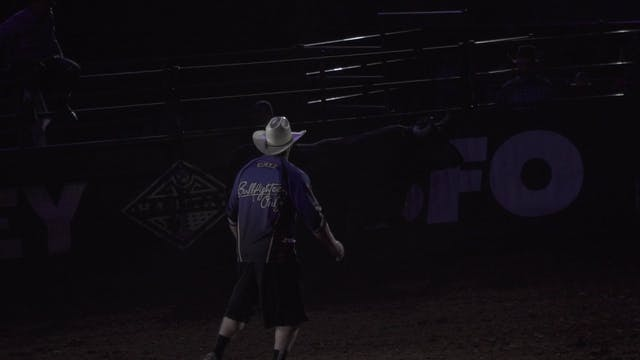 One HOT Bullfight 2019 - Zach Call (L...