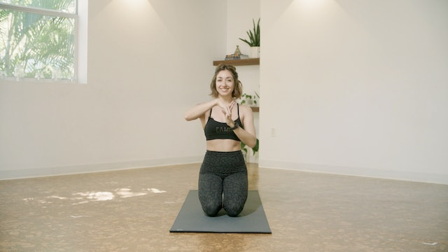 Yoga - Wrist Warm Up with Elaina