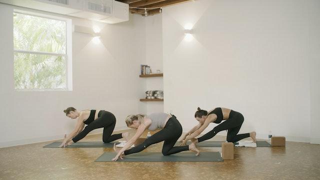 Yoga - Root Flow with Lauren