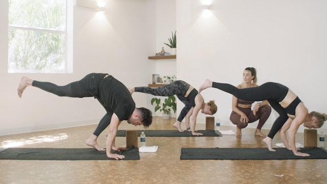 Yoga - Flow to Crow with Jamie