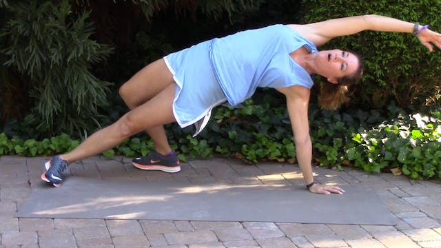 1-minute Plank with Rotation