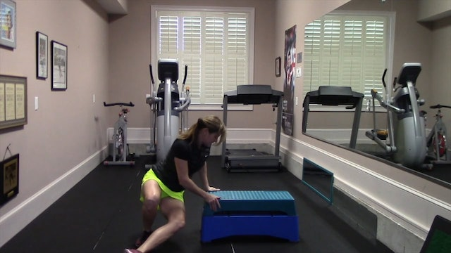 2:17-minute Core Hip Twister with Bench