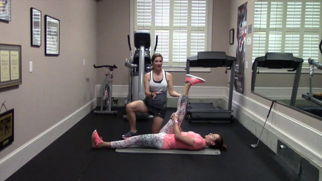 2-minute Hamstring Stretch on Floor