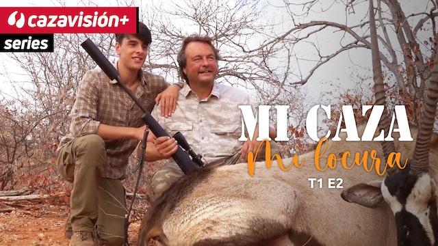 Un joven cazador en África