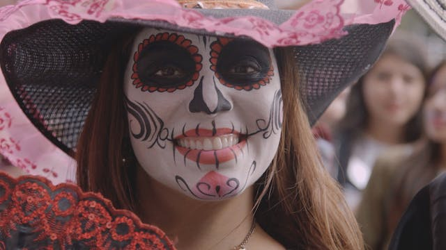 Parade pays tribute to Mexico's ances...