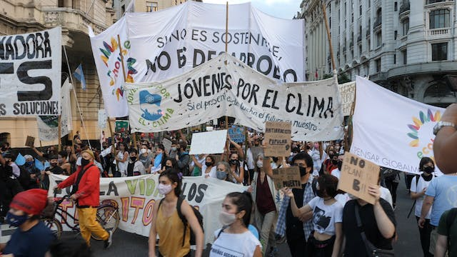 Argentinean Youth Commit To The Clima...