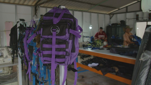 Former FARC fighters create backpack business