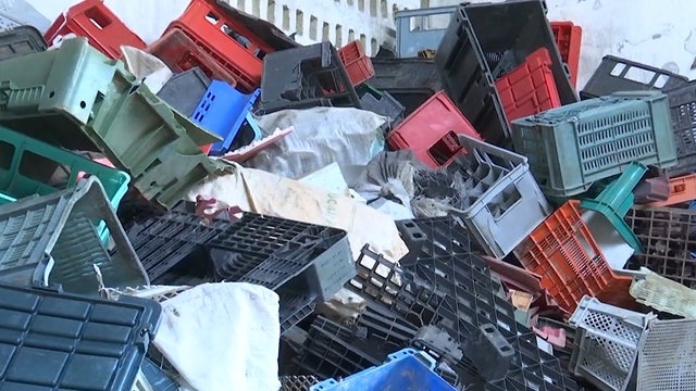 Cuba turns plastic waste into lumber