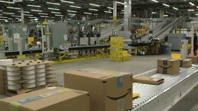 New Amazon fulfillment center uses te...