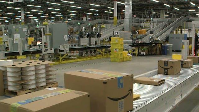 New Amazon fulfillment center uses te...