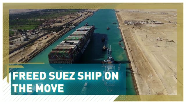 Freed Suez ship on the move