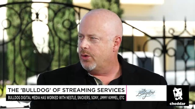Bringing Experiences to Social Streaming