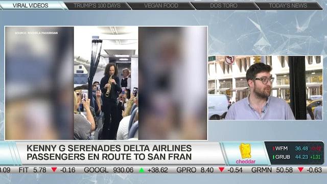 Kenny G Serenades Delta Passengers