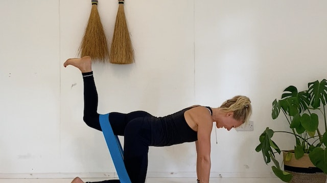 GLUTE BURNER WITH BAND