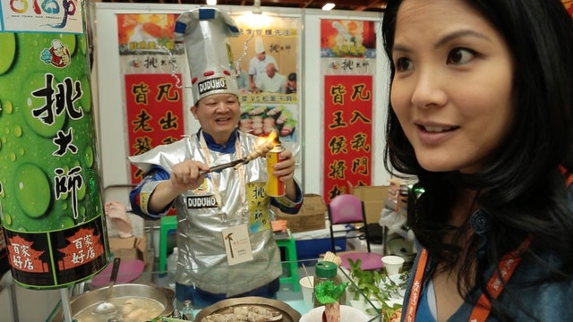Lynn Chen Bites Taiwan Culinary Exhibition