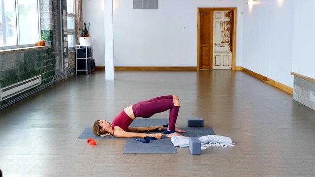 Prenatal: Glute Strength + Stability with Kacee