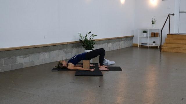 Yoga + Strength: Hamstrings + Core with Kacee