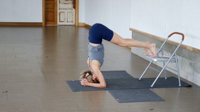 5 Minutes to Headstand with Kacee